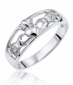 9ct White Gold Celtic Claddagh ring 1