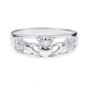 9ct White Gold Celtic Claddagh ring 2
